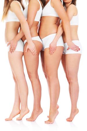 흰색 배경 위에 4 개의 여성의 bodys의 그림