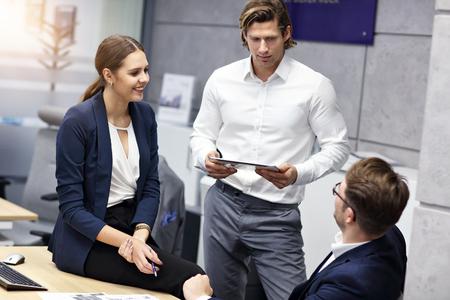 Group of business people brainstorming their ideas Zdjęcie Seryjne