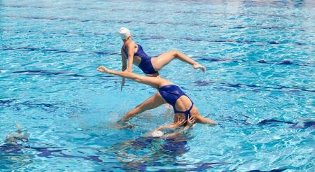natación sincronizada: trabajo en equipo