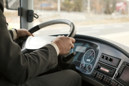 chofer de autobus: conductor de autob�s