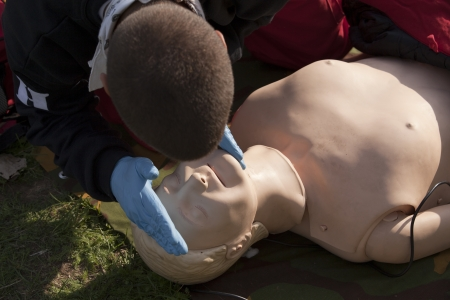 reanimate: life function check demonstration on a dummy