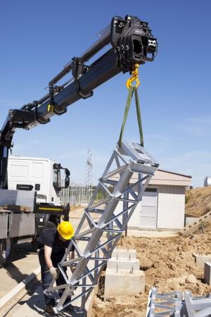 camion grua: las obras de construcción Foto de archivo
