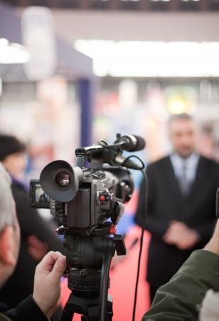 reportero: cubriendo un evento con una c?mara de v?deo