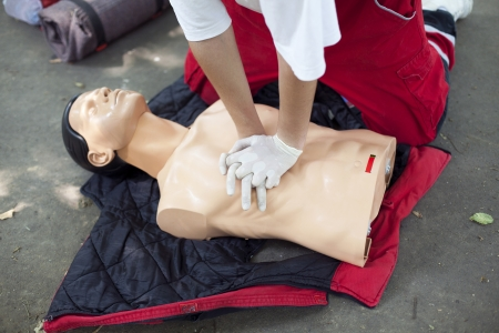 teaching aid: first aid - heart massage