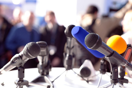 the speaker: Rueda de prensa
