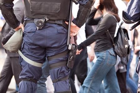 seguridad laboral: Policeman on duty. Counter-terrorism. Foto de archivo