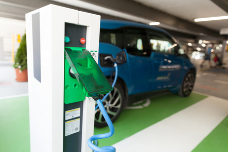 Charging battery of an electric car Archivio Fotografico