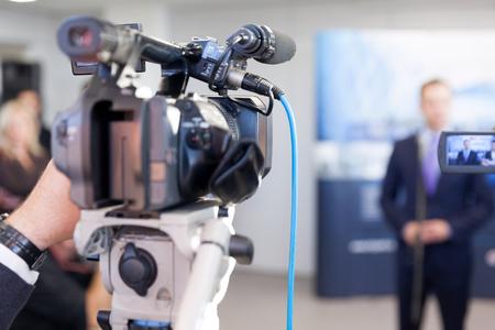 Medienevent mit einer Fernsehkamera filmen