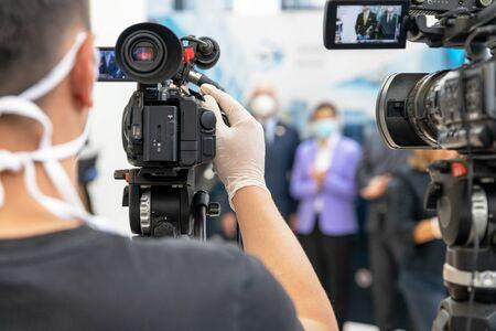 Medienveranstaltung oder Pressekonferenz während der Coronavirus COVID-19-Pandemie