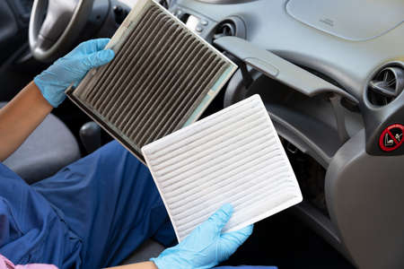 Replacement of cabin pollen air filter for a car