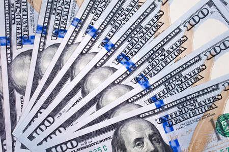 100 dollars bank notes details