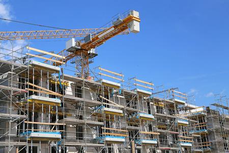construction site with building crane Banque d'images