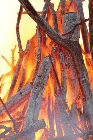 Nahaufnahme von Feuerglut Standard-Bild