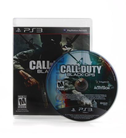 Springfield, Missouri - 15. Februar 2011: Eine isolierte Playstation 3-Version des Call of Duty: Black Ops Videospiel box Kunst und Festplatte. Standard-Bild - 10368570