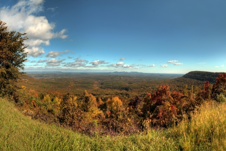 Fall colors in a massive open valley in Arkansas. Foto de archivo