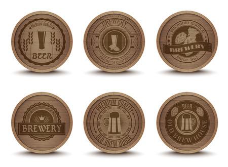 Houten bierhuis emblemen retro-stijl drinken druppelen matten onderzetters iconen collectie afdruk abstract geïsoleerde vector illustratie Stock Illustratie