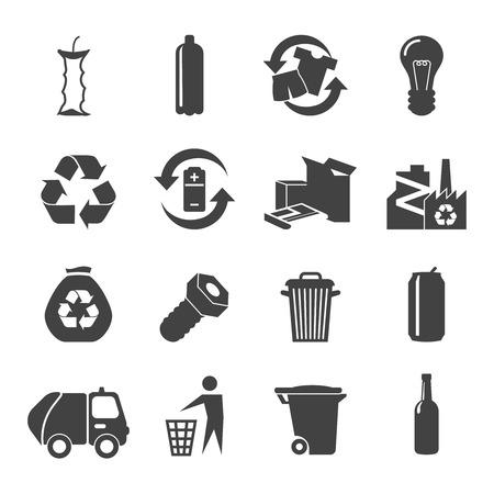cesto basura: Materiales Reciclables iconos blancos negros establecen con el metal de plástico de vidrio y residuos de alimentos aislados plana ilustración vectorial