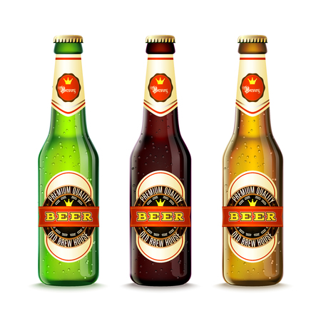 glasses of beer: Realistic green and brown beer bottles set isolated vector illustration