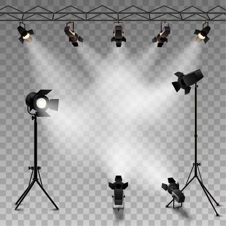 Spotlights realistische transparante achtergrond voor de show wedstrijd of interview vector illustratie