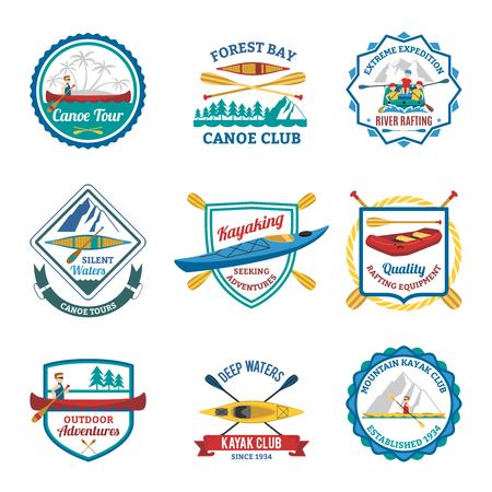 Kano en kajak berg sportclubs flat emblemen en raften op de rivier etiketten collectie abstract geïsoleerde vector illustratie