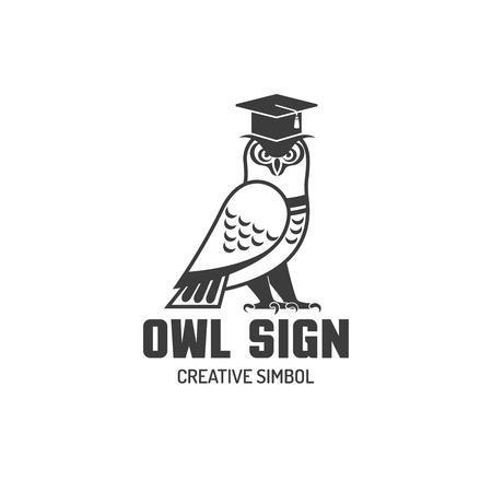 oiseau dessin: signe logotype noir et blanc de hibou dans carré cap académique simbol créatif vecteur plat illustration