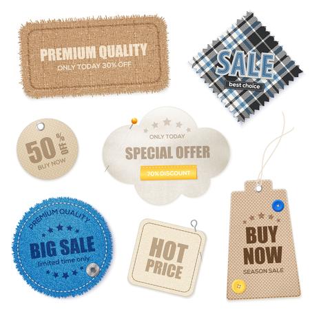 De realistische textiel de prijskaartjesetiketten van de stoffentextuur etiketten en de inzameling van de zwadeninzameling van de doekverkoop geïsoleerde vectorillustratie