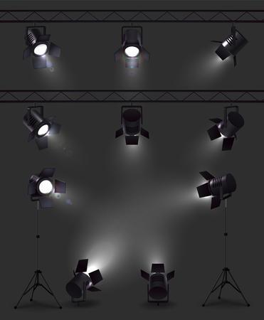 Scheinwerfer-Set realistischer Bilder mit leuchtenden Scheinwerfern aus verschiedenen Blickwinkeln mit Ständern und Rollen-Vektorillustration Vektorgrafik