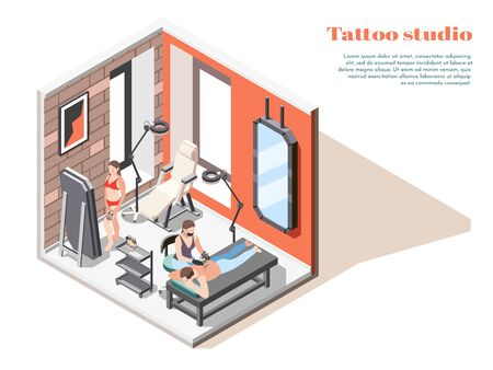 Composition isométrique intérieure de studio de tatouage avec l'artiste de lampes de sol de miroirs appliquant la conception sur l'illustration de vecteur de dos de clients