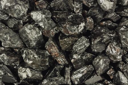 Pieces of raw coal  免版税图像