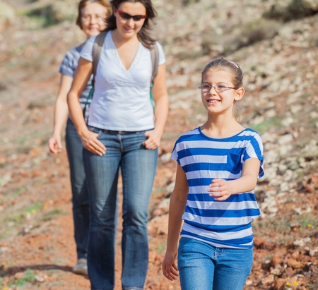 crosscountry: Family hiking in the cross-country