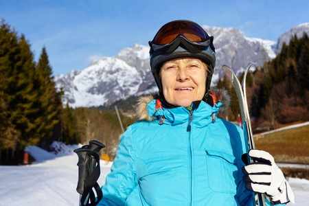 accomplices: Senior skier woman