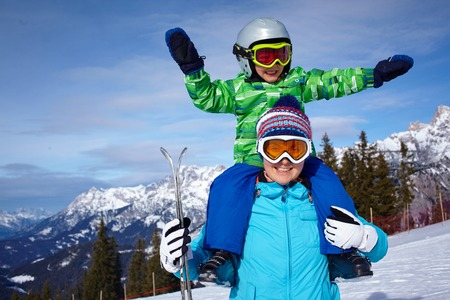ski goggles: Ski, winter, snow, skiers, sun and fun