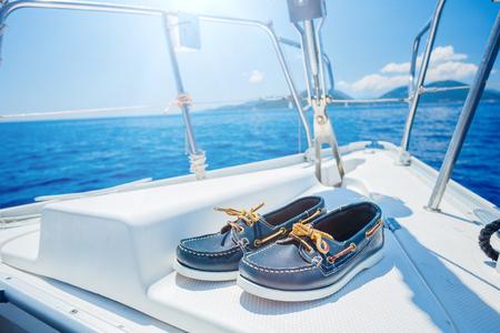 해군 최고의 sider 신발 나무 배경