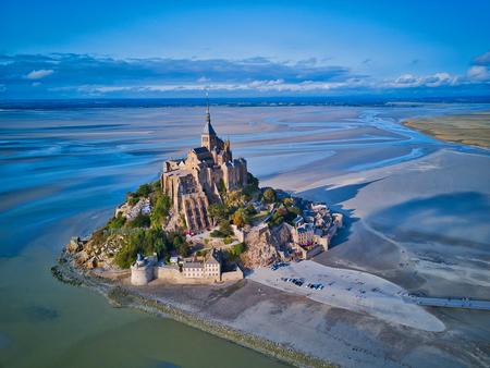 Vista dall'alto della baia di Mont Saint Michel, Normandia Francia Archivio Fotografico