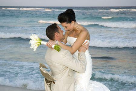 serf: Brige et la c�l�bration de la mari�e sur la plage  Banque d'images