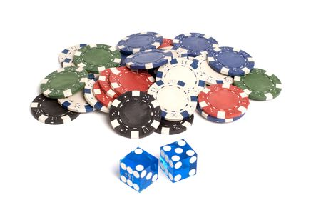 Blue casino dice with lucky 7 showing with chips Stok Fotoğraf