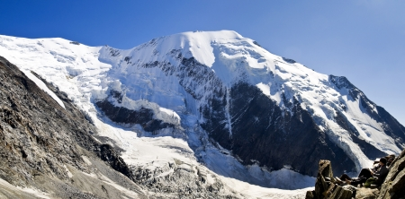 Bionnassay glacier and peak