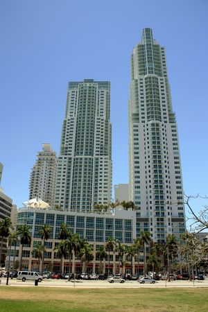 Photographs of one of the buildings that make up downtown Miami, Florida. Place known internationally for its many tourist attractions. Banco de Imagens