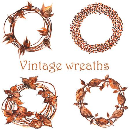 set van vintage kransen, dan, of geweven uit twijgen, dan, of van ijzer gesmeed honderden jaren geleden ....