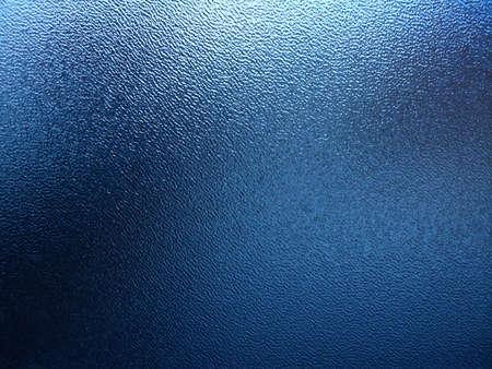 しわを見てのような水と青いプラスチック製の窓