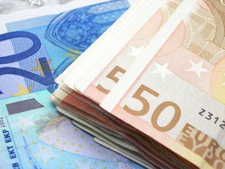 お客様のニーズに使用する準備ができていくつかの現金お金のクローズ アップ。