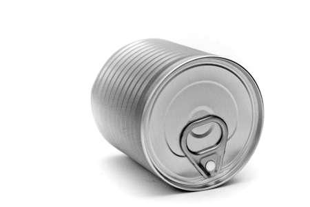 白い背景で隔離のブリキ缶