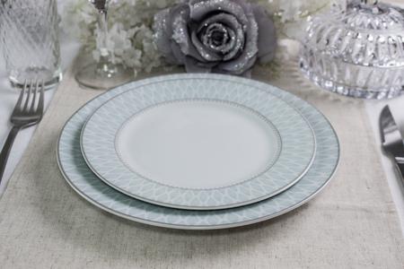 Table arrangement for dinner party, wedding events. The Mockup. Banco de Imagens