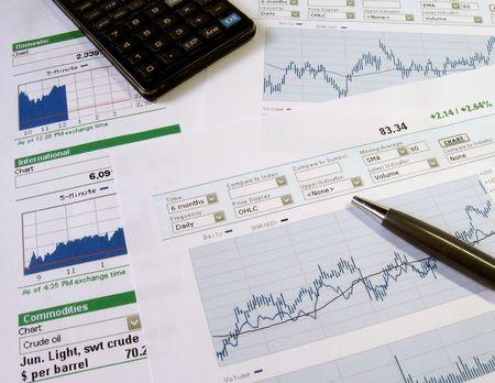 Borsa grafici per l'analisi degli investitori.  Archivio Fotografico