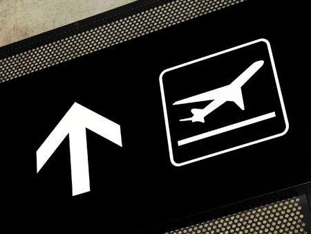 Aeroporto segno di puntamento zona della partenza, immessi sul esposti concreti fascio.