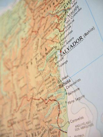 Mappa di soccorso dello Stato di Bahia, Brasile, con attenzione selettiva sottolineando la sua costa, compresa la sua capitale Salvador.  Archivio Fotografico