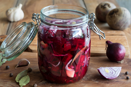 Preparation of fermented beets (beet kvass) in a glass jar 写真素材