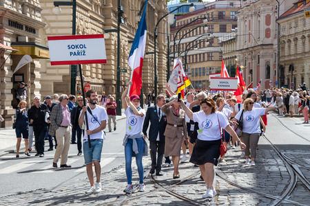 PRAGUE, CZECH REPUBLIC - JULY 1, 2018: Visitors from Paris parading at Sokolsky Slet, a once-every-six-years gathering of the Sokol movement - a Czech sports association 新聞圖片