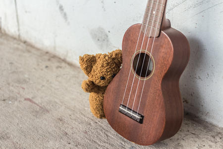 storytime: teddy bears and ukulele.