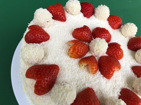 Valentines Day Anniversary Marriage Wedding Cake Raffaello With
